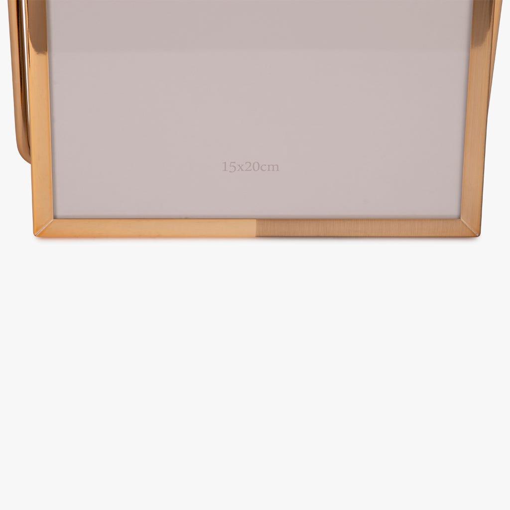 Moldura com Pé Dourada 15x20 cm